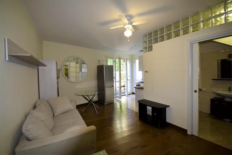 Appartamento in vendita a Sesto Calende, 3 locali, prezzo € 800   CambioCasa.it