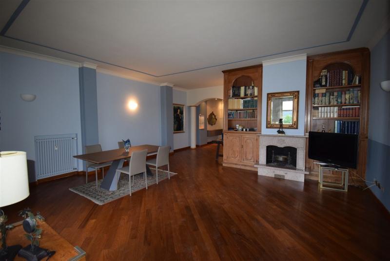 Appartamento in affitto a Arona, 5 locali, prezzo € 2.000 | CambioCasa.it