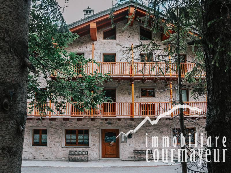 Appartamento in vendita a Courmayeur, 3 locali, prezzo € 390.000   PortaleAgenzieImmobiliari.it
