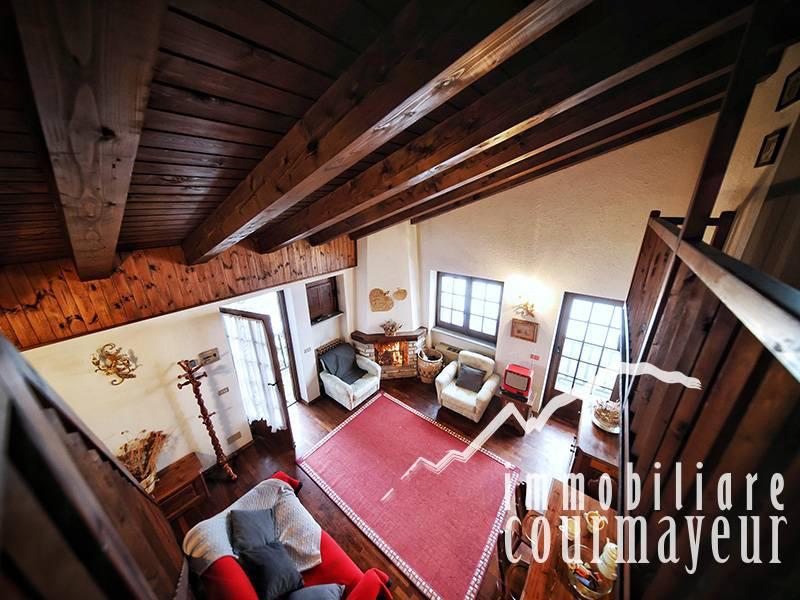 Appartamento in vendita a La Salle, 4 locali, prezzo € 280.000 | CambioCasa.it