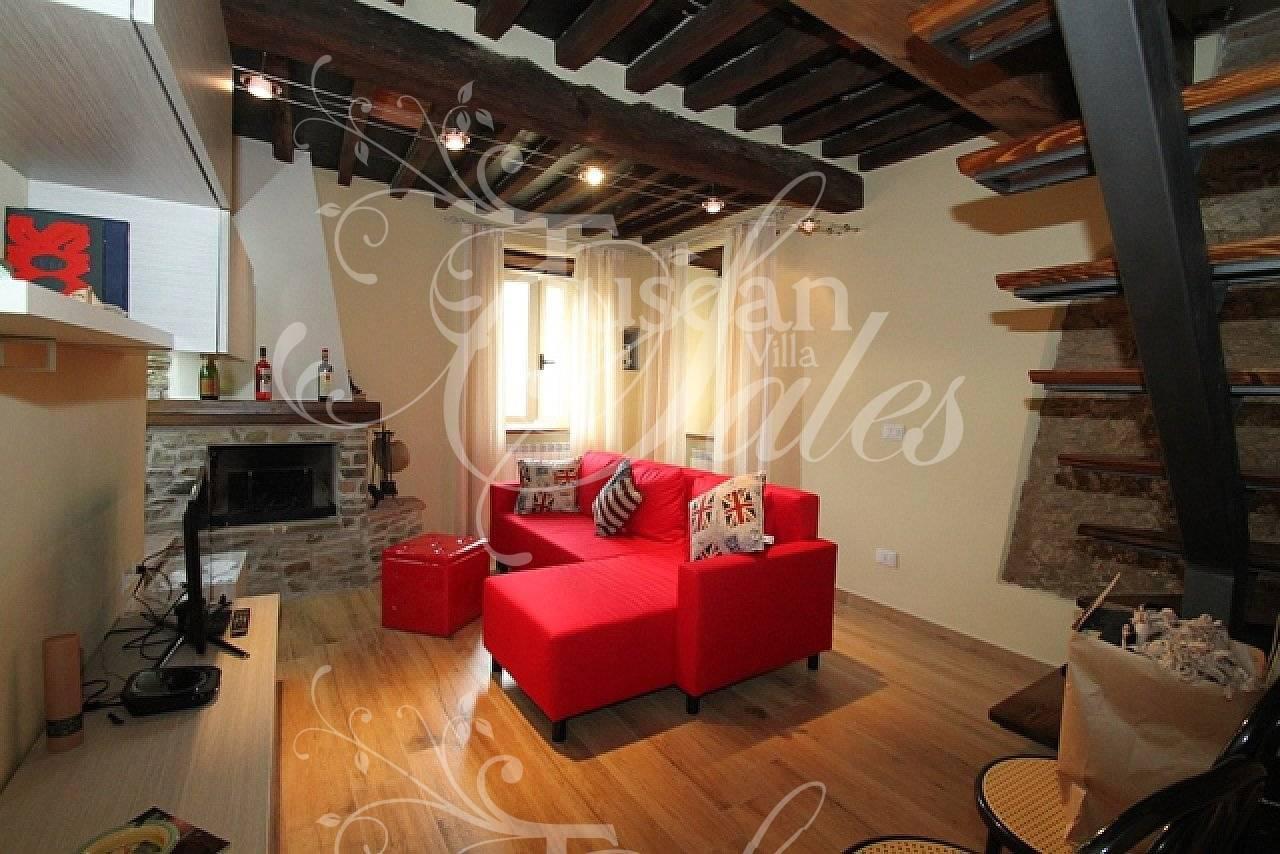 Rustico / Casale in vendita a Stazzema, 5 locali, zona Zona: Terrinca, prezzo € 130.000   CambioCasa.it