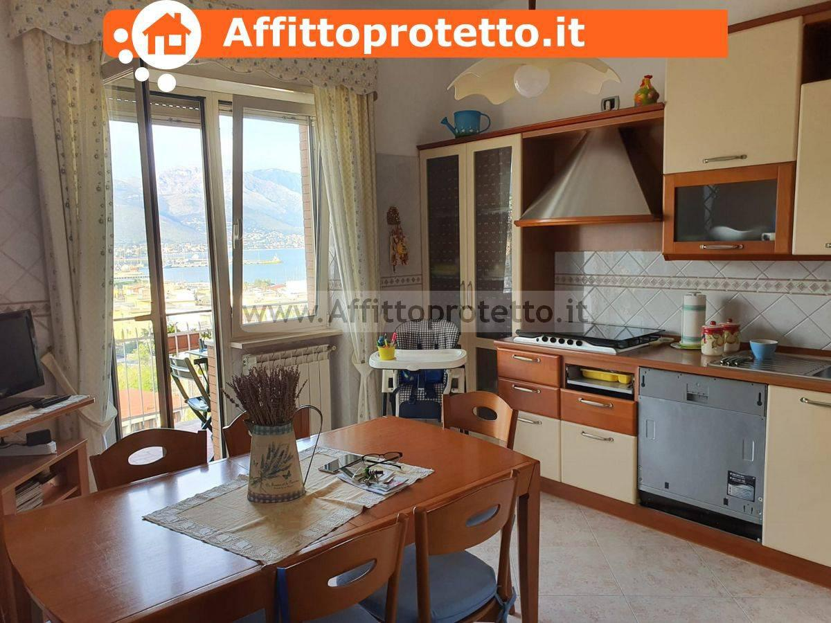 Appartamento in affitto a Gaeta, 4 locali, prezzo € 900 | CambioCasa.it