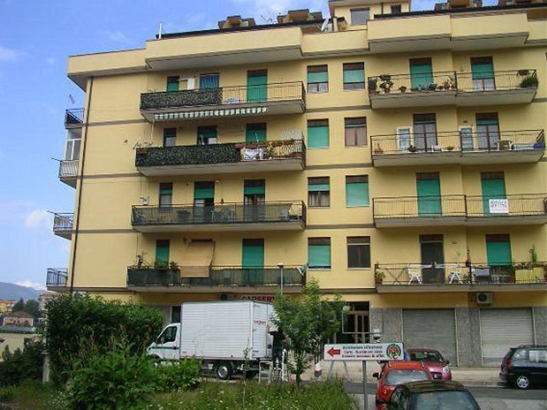 Appartamento in affitto a Avellino, 4 locali, prezzo € 440 | CambioCasa.it