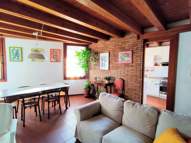Appartamento in vendita a Vicenza, 7 locali, prezzo € 300.000 | CambioCasa.it