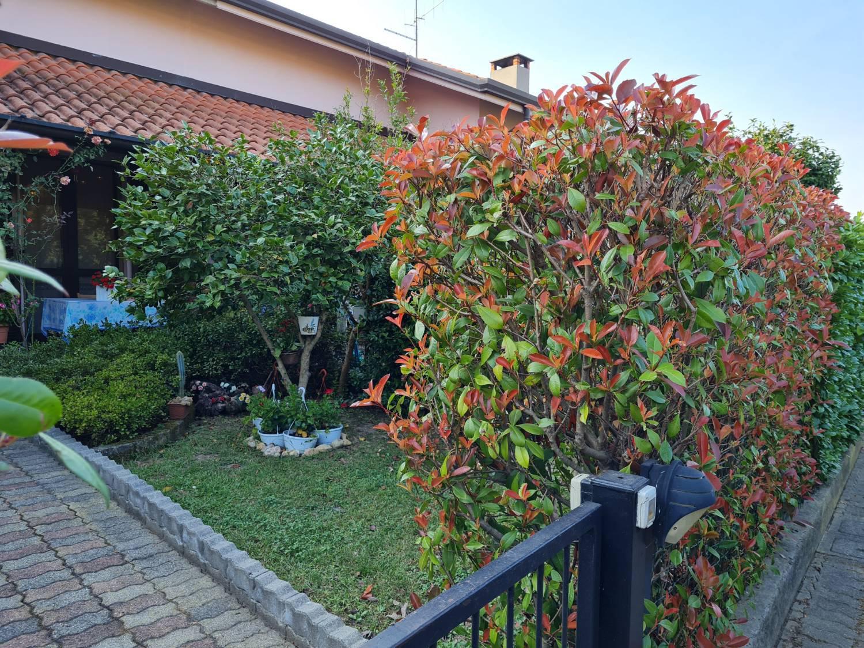 Villa a Schiera in vendita a Senna Comasco, 9999 locali, zona Zona: Navedano, prezzo € 295.000 | CambioCasa.it