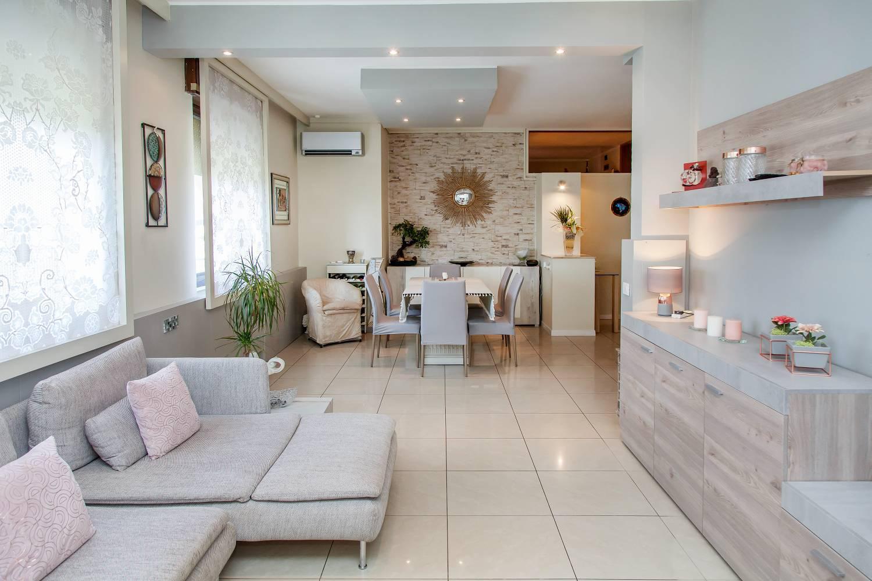 Appartamento in vendita a Novate Milanese, 4 locali, prezzo € 385.000   CambioCasa.it