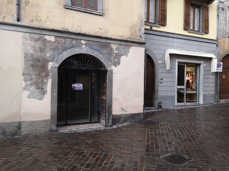 Ufficio / Studio in affitto a Clusone, 9999 locali, prezzo € 375 | CambioCasa.it