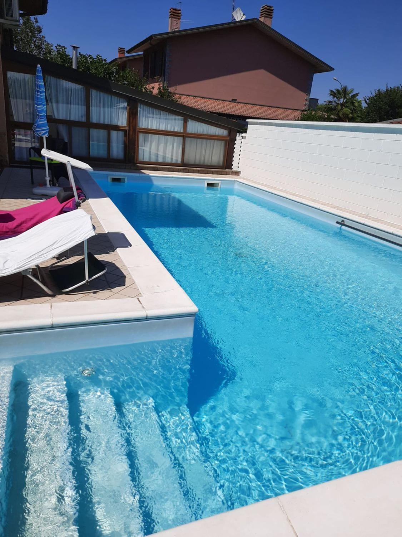 Villa in vendita a Somaglia, 6 locali, prezzo € 299.000   CambioCasa.it