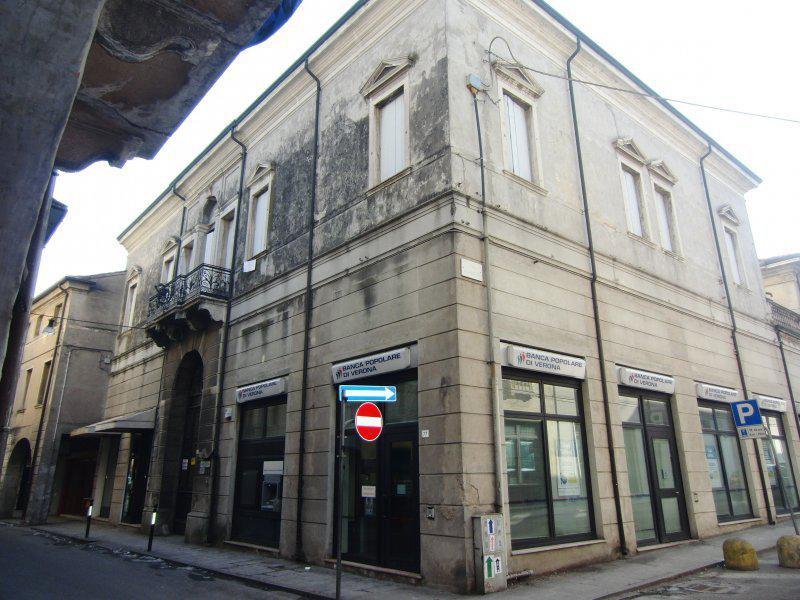 Ufficio / Studio in vendita a Badia Polesine, 6 locali, prezzo € 141.000 | CambioCasa.it