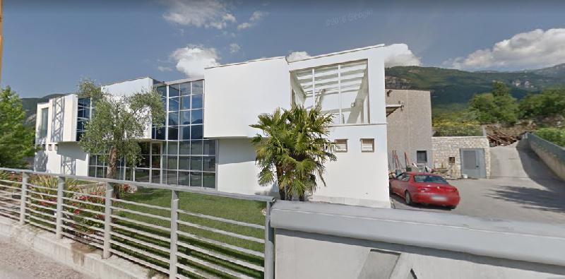 Capannone in vendita a Isera, 9 locali, prezzo € 1.176.000   CambioCasa.it